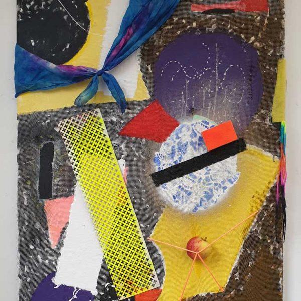 Unlimited (testcase), 95 x 75 cm, acryl- en olieverf met sjaaltje, elastiek, textiel, wol, sponsje, haarpin, spelden, metalen raster, gaas en appeltje